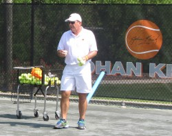 Johan coaches Junior Tennis Players